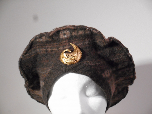 big_brown_tam_with_gold_curled_leaf_pin.jpg