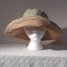 big_greentan_reversible_sunhat.jpg