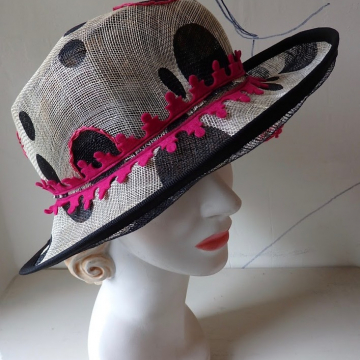 Airy Dot Hat