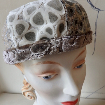 Reversible Dome Hat in Greys